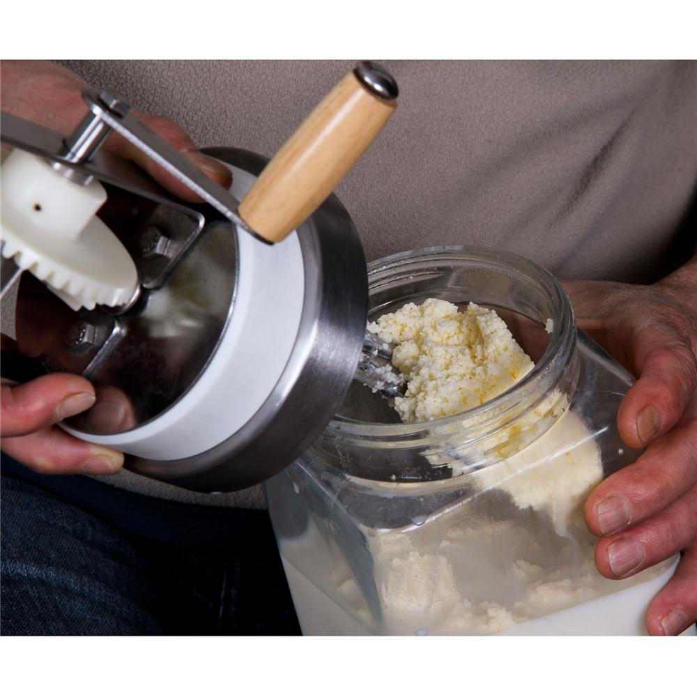 comment faire du beurre et de la cr me fra che maison la recette de. Black Bedroom Furniture Sets. Home Design Ideas